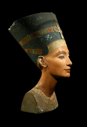 Queen Nefertiti used aloe vera for skin